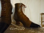 8 antique lace up boots