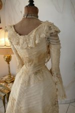 26 antique society dress 1901