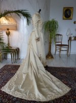 36 antique bridal deess 1895