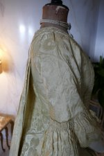 25 antique robe a la francaise 1770