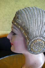 9 antique cloche 1924