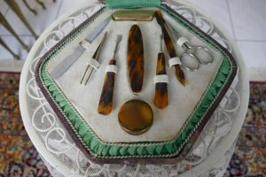 antique manicure set 1920s