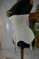 9 antique corset 1895