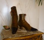 2 antique lace up boots