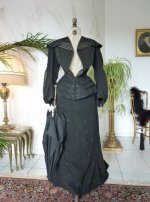 22 antique walking gown 1901