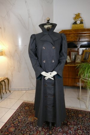 antique travel coat 1908