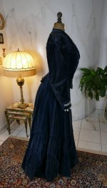 32 antique walking dress 1899