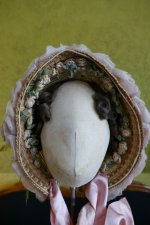 1 antique bonnet 1860
