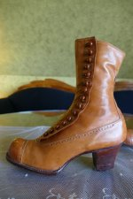 9 antique RADCLIFFE boots 1916