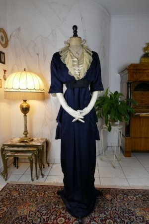 antique hobble skirt Dress 1913