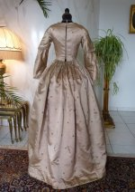 36 antique dress 1840