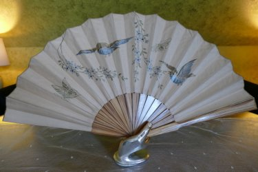 antique bird fan 1905