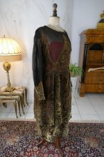25 antique day dress 1923