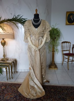 antique evening gown Worth 1910