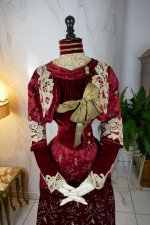 6 antique society dress 1904