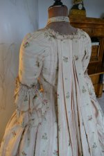 35 antique robe a la Francaise 1770