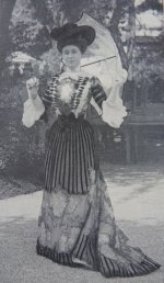2 antique beer dress 1901