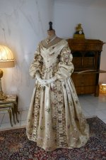 24 antique court dress 1838