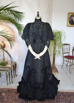 antique Worth evening dress 1898