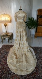 21 antique court dress 188