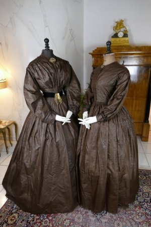 antique afternoon dress 1840