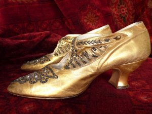 antique shoes, shoes 1920, flapper shoes, antique dress, golden shoes, antique gown, 1920, 20s