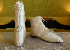 antique wedding boots 1818