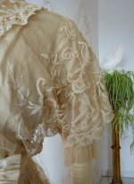 9a antique wedding gown