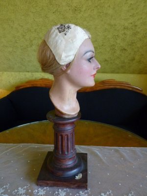 antique bonnet 18th