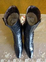 10 antique button boots