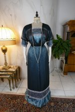 33 antique society dress Kayser 1908