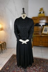 antique walking dress 1906