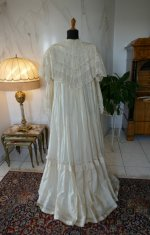 23 antique dressing gown 1890