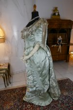 21 antique evening gown 1889