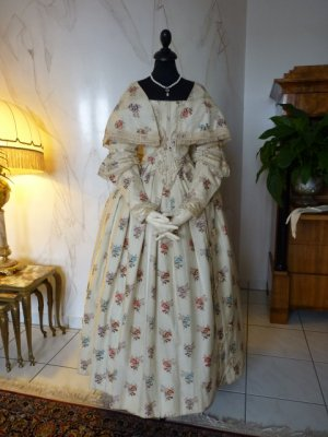 antique romantic period dress 1839