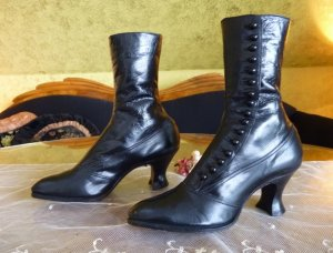 antique button boots