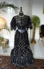 8 antique ball gown 1904