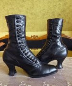 6 antique button boots