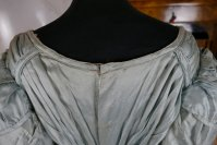 22 antique regency dress 1818