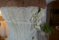 20 antique corset 1899