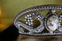 3 antique tiara 1910