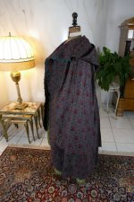 31 antique hooded cape 1790