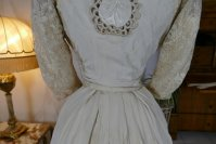 26 antique gown 1904