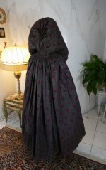 25 antique hooded cape 1790