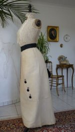 47 antique-gown