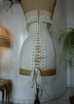 22 antique au royal corset 1910