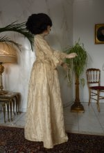 55 romantic period mannequin