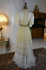 25 antique tea gown 1903