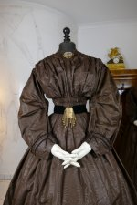 8 antique afternoon dress 1840
