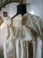 9 antique Peignoir 1895